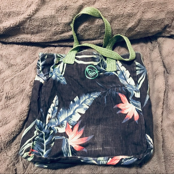 Roxy Handbags - Super Cute 🌺🌸 Roxy Floral Print Canvas Beach Bag